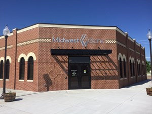 Midwest Bank and Businsses in Pilger Plan Celebration